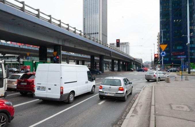Warszawa: Rusza przebudowa al. Jana Pawła II przy Dw. Centralnym. Ułatwienia dla pieszych i rowerzystów