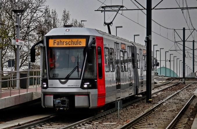 Wysokoperonowe tramwaje Bombardiera dopuszczone do ruchu w Dusseldorfie