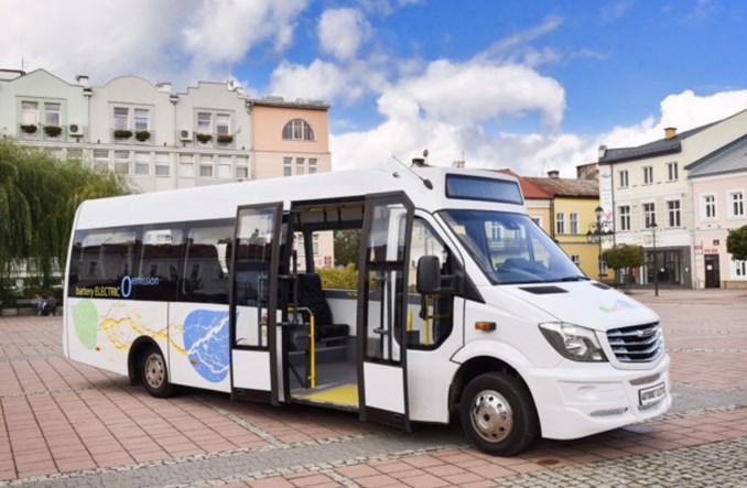 Płońsk z ofertami na elektrobus i autobus spalinowy