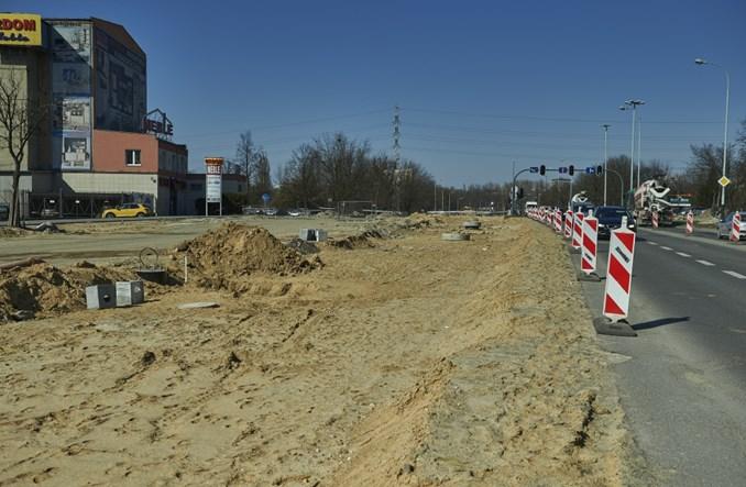 Łódź: Al. Śmigłego-Rydza blisko półmetku. Z rocznym opóźnieniem