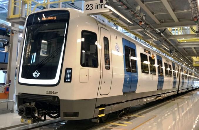 Bombardier przekazuje pierwsze nowe pociągi metra dla Sztokholmu