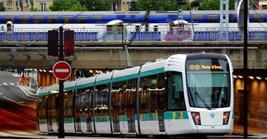 W Paryżu transport dla młodzieży będzie bezpłatny. Rada Miasta zadecydowała