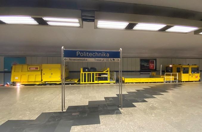 Ogromny odkurzacz warszawskiego metra