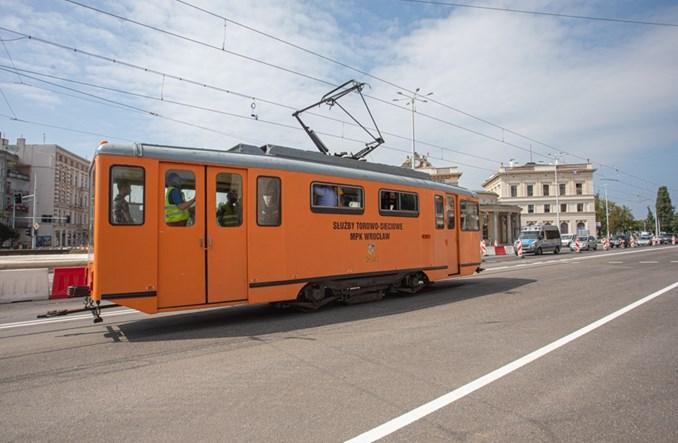 Wrocław: Testowy tramwaj na pl. Orląt Lwowskich. W weekend ruszą tramwaje