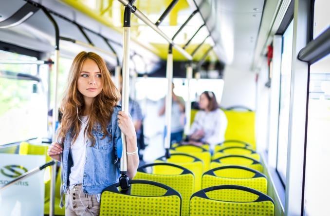 Koronawirus. Szumowski zapowiada zmiany w transporcie publicznym. Dla dobra uczniów