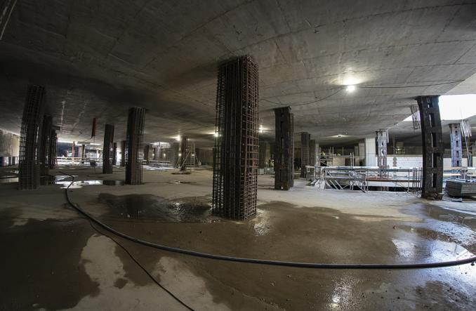 Metro na Bródno: Powstają wyjścia i próbki materiałów wykończenia