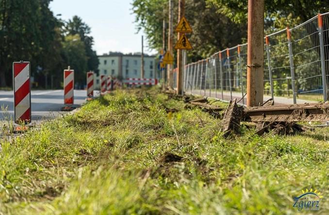 Zgierz: Ruszyła rozbiórka torowiska tramwajowego na odnodze do pl. Kilińskiego