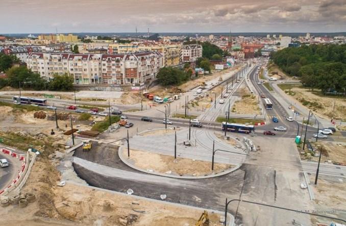 Bydgoszcz: Rozbudowa ul. Kujawskiej. Sieć trakcyjna podwieszona