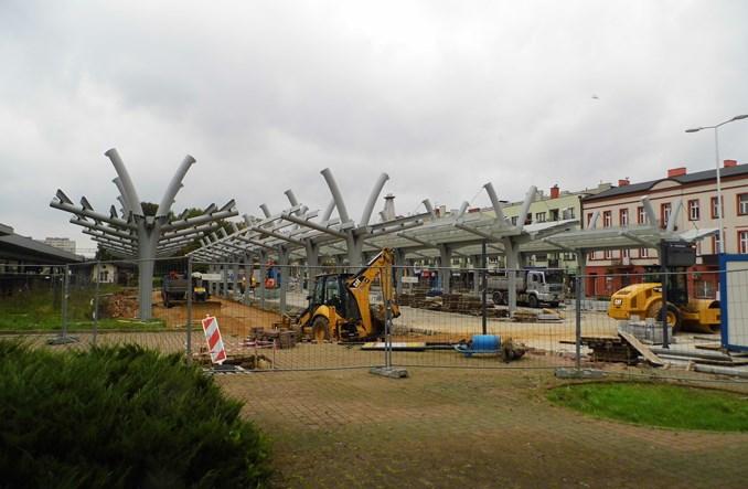 Częstochowa: Budowa węzłów przesiadkowych za półmetkiem