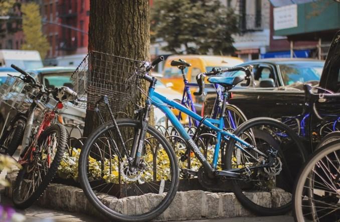 Rower bez maseczki tylko dla sportowców. Skomplikowane i niepotrzebne?