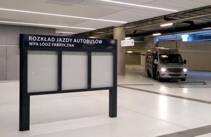 """Łódź Fabryczna bez bezpłatnego parkingu. """"Teraz są wolne miejsca"""""""