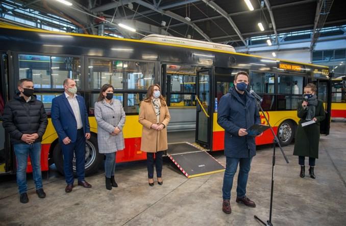 Warszawskie autobusy gotowe do transportu chorych [zdjęcia]