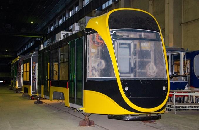 Ukraina: Niskopodłogowy tramwaj Tatry-Jug w trakcie produkcji [zdjęcia]