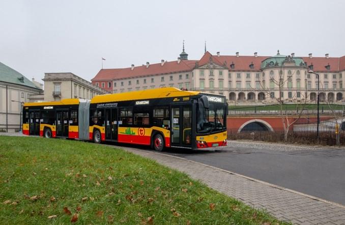 Komplet elektrobusów wyjechał na ulice Warszawy – ostatni to 20.000 pojazd Solarisa