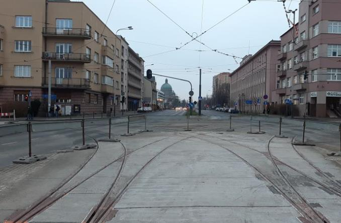 Łódź: Częściowy powrót tramwajów na remontowane skrzyżowanie