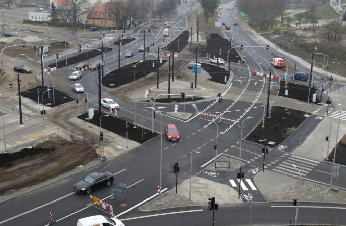Toruń: Nowy odcinek torowiska otwarty. Dla kilku kursów nocnych