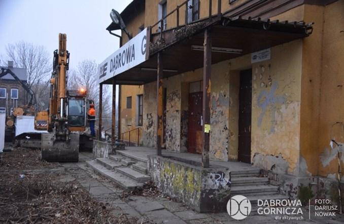 Dąbrowa Górnicza: Rozbiórka starego dworca, by zrobić miejsce na węzeł