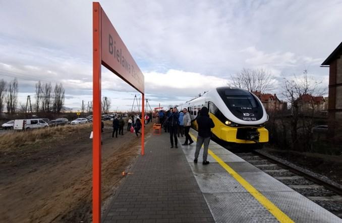 Bielawa z nowym przystankiem kolejowym. Rok po przywróceniu połączeń