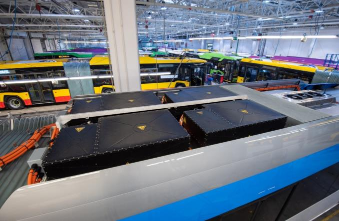 Solaris: Drugie życie dla baterii z elektrobusów. Jako magazyny energii