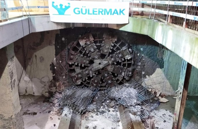 Metro na Bródno: Pierwszy tunel w całości wydrążony. Maria kończy pracę