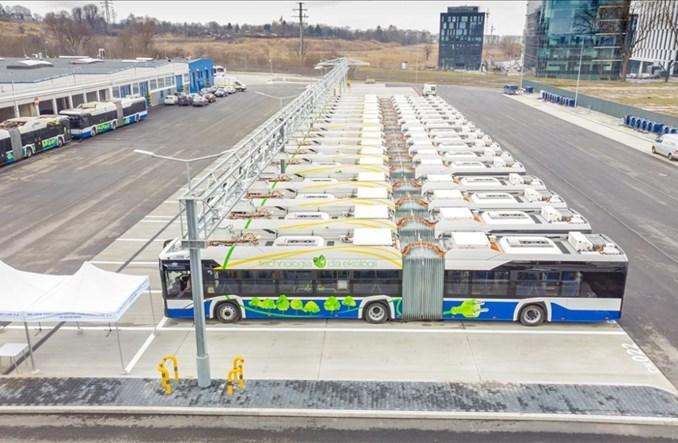 Kraków: Pierwsze nowe elektrobusy Solarisa z umowy na 50 pojazdów przekazane