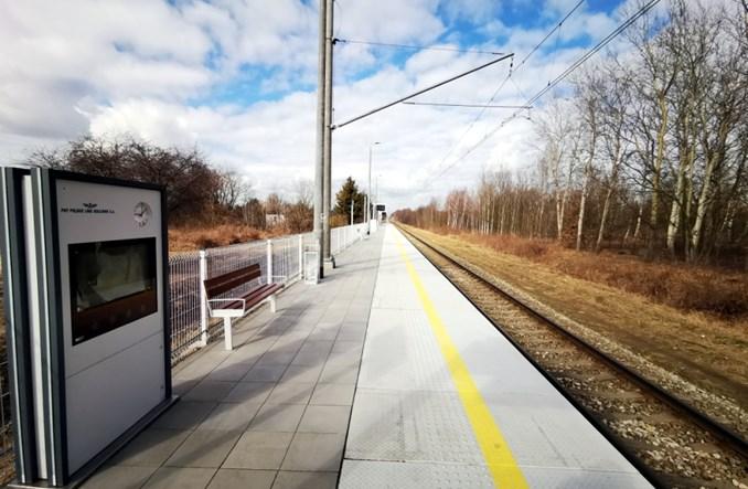 """Łódź: Nowe przystanki kolejowe kolejny kwartał później. """"Nie ma przyłączy energetycznych"""""""
