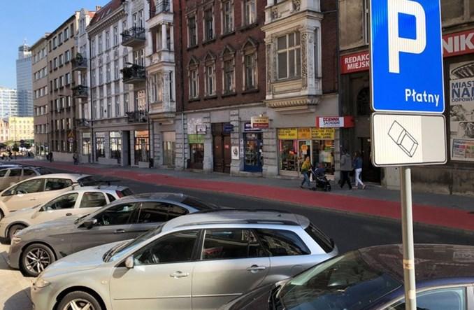 """Nowa polityka parkingowa w centrum Katowic. Utrudnienia dla """"przyjezdnych"""""""