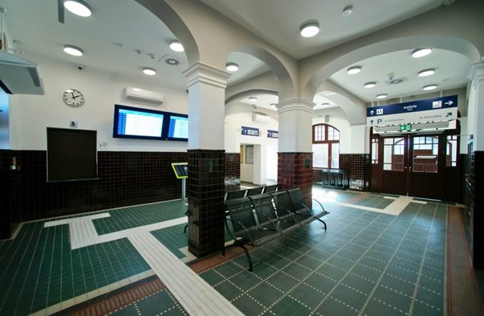 Neogotycki dworzec w Pszczółkach otwarty dla podróżnych
