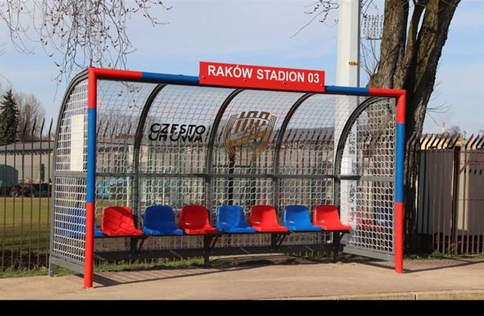 Częstochowa: Wiaty w formie bramek na pętli tramwajowej