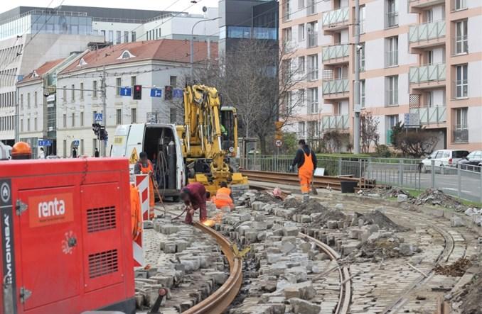 Wrocław: MPK stopniowo poprawia stan torów