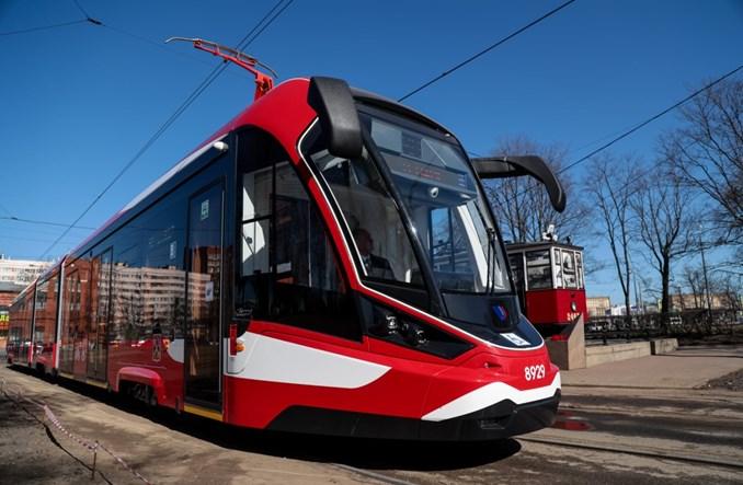 Aluminiowy tramwaj debiutuje w Petersburgu