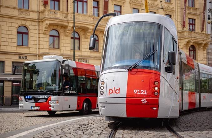 Praga: Tramwaje w nowym malowaniu PID