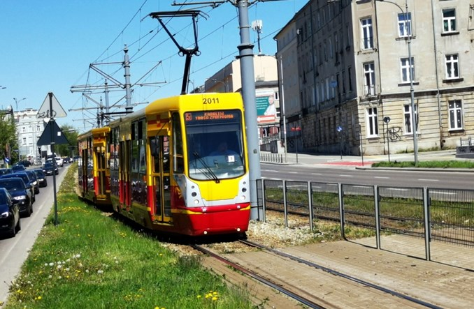 Łódź: Zamknięta kolejna trasa tramwajowa – tym razem z uwagi na stan kamienicy