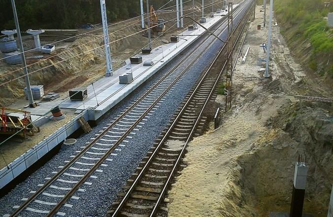 Łódź: W weekend opóźnione otwarcie dwóch przystanków kolejowych