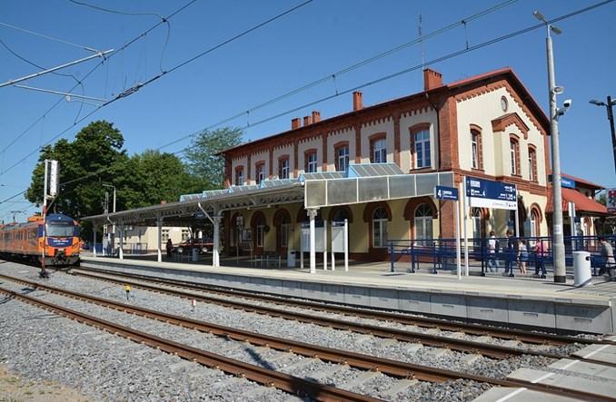 Dworzec w Rzepinie zostanie przebudowany. Nowy przetarg [wizualizacje]