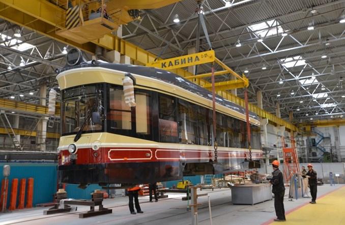 Nowe niskopodłogowe tramwaje retro jadą do Niżnego Nowogrodu