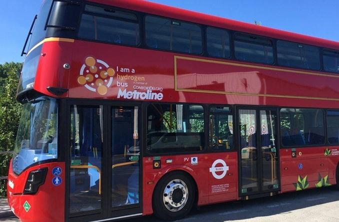 Londyn uruchamia pierwsze w Anglii piętrowe autobusy na wodór