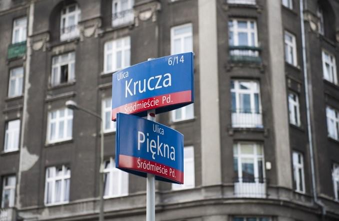 Nowe Centrum Warszawy: ul. Krucza z pasażem po środku jak La Rambla