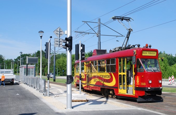 Warszawa: Tramwaj do pętli Winnica znów opóźniony. Na razie o miesiąc