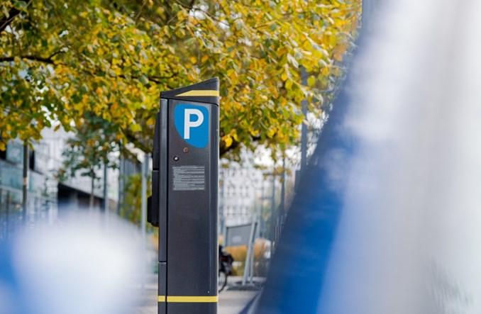 Warszawa: Rozszerzenie płatnego parkowania na Ochotę i Żoliborz prawomocne