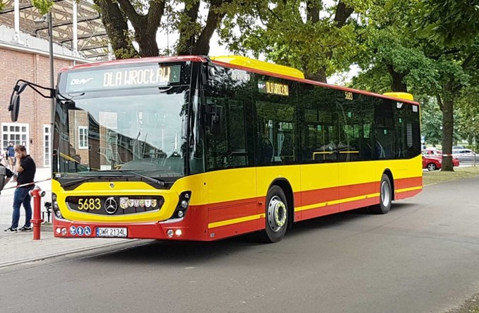 Nowe Mercedesy zaprezentowano we Wrocławiu. Obsłużą ruch aglomeracyjny