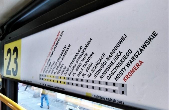 We Wrocławiu nowe tablice w starych tramwajach
