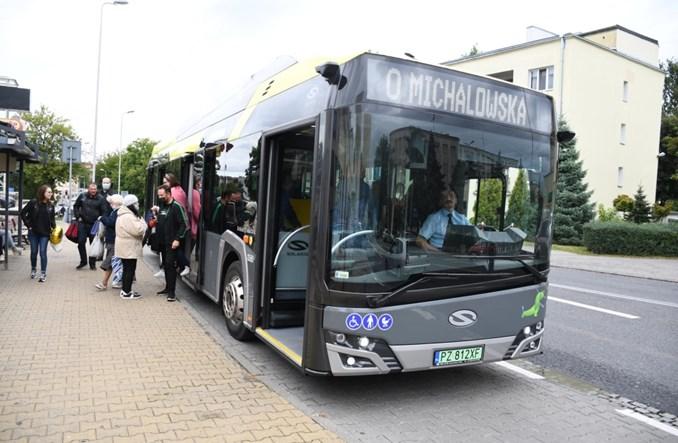 Piotrków Trybunalski testuje Solarisa. W tle program Zielony Transport Publiczny