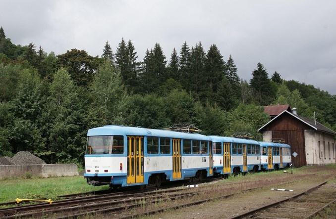 """Stare tramwaje T3 w czeskich Karkonoszach. Region przeciwny """"wysypisku tramwajowemu"""""""