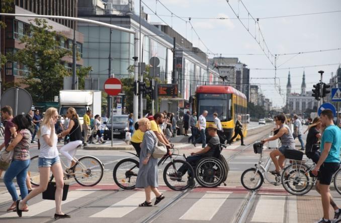 Liczba wypadków na pasach o 30% mniejsza po zmianie pierwszeństwa pieszych?