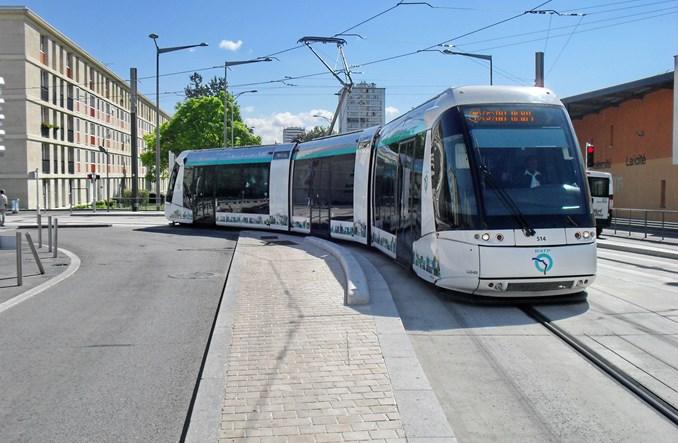 Translohr: Tramwaj, trolejbus czy autobus?