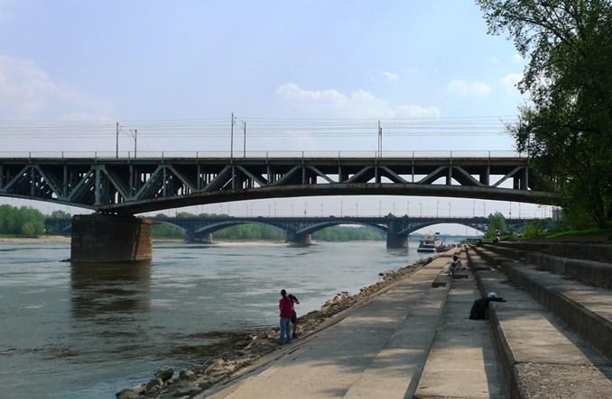 Warszawa i Poznań: Dwa miasta, dwa spojrzenia na rzekę