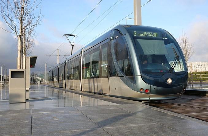 Ani katedra, ani buda – jaki ma być przystanek tramwajowy?
