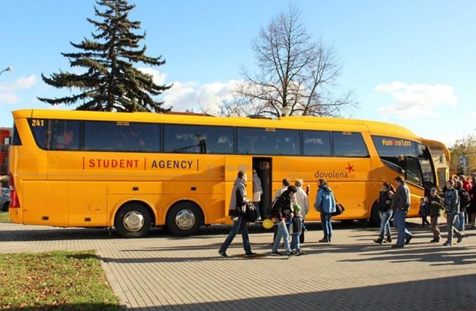 RegioJet dojedzie do Warszawy. Ale autobusem