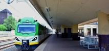Linia kolejowa do Grodziska przez rok bez pociągów. Kolejarze wybrali wariant